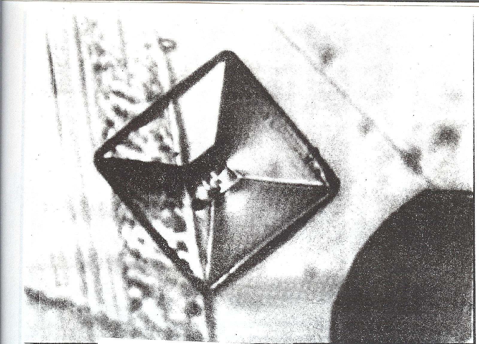 [Image: pyramid-topview-lg-plate.jpg]